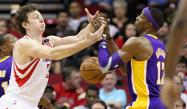 Omer Asik Fights Dwight Howard
